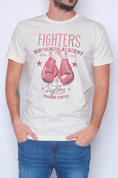 28125 REMERA MANGA CORTA ESC RED FIGHTERS ACADEMY | BRAVO JEANS